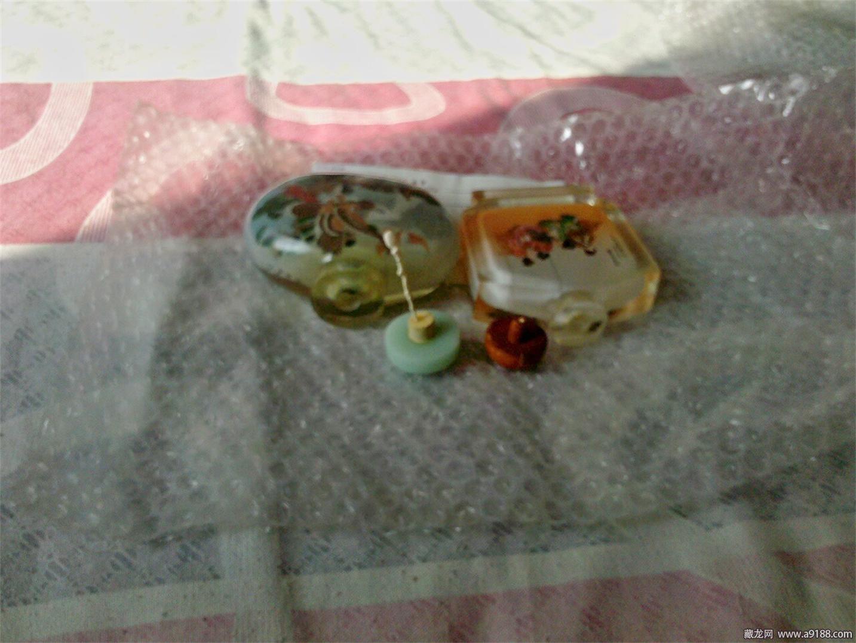 朋友从日本带回的鼻烟壶003.jpg